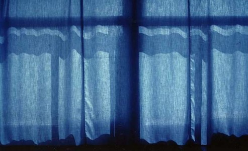 1990 - Sans-titre (Rideau_bleu) © Christian Lebrat